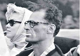 Marilyn Monroe in Ray-Ban Wayfarers with Arthur Miller
