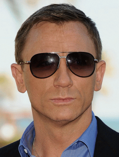 James Bond Star Daniel Craig in Tom Ford Aviator Sunglasses